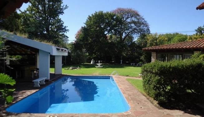 Alquiler excelente casa 6 ambientes con jardin quincho y for Jardines 6 san isidro