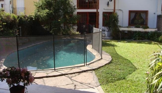Alquiler impecable casa 7 ambientes con jardin pileta y for Jardines pequenos con pileta